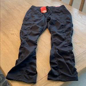 NWT North Face Active Pants - Large for Women